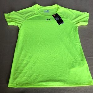 Under Armour Womens Heat Gear Tee. Size Small.